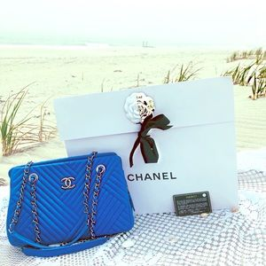 1000% Authentic Chanel Blue handbag! NEVER USED